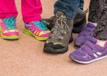 Best Kids Shoes for Flat Feet in 2021 – Don't Pain Your Children's Foots!
