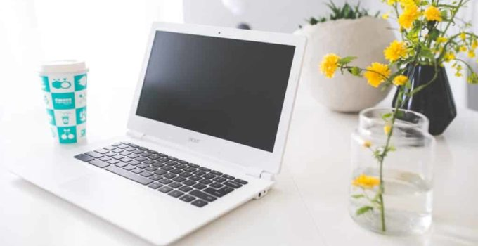 Best Laptop for 10 Year Old Daughter (Sleek and Durable) in 2021