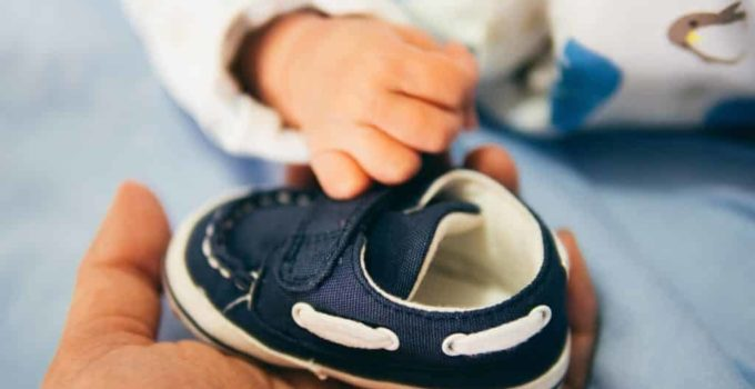 Top 15 Best Shoes for Babies Learning to Stand in 2021 Reviews
