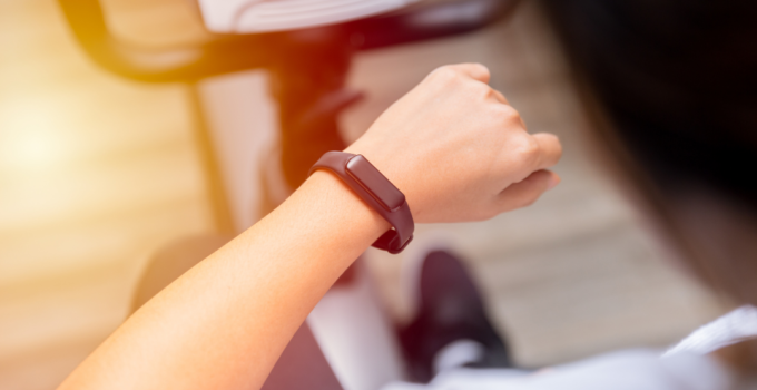 How Does A Fitbit Work?